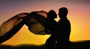 Romance-Couple-Dancing-in-Love-Sunset1
