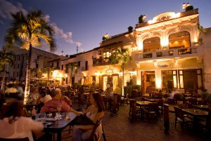 l2f-apr-14-pic-dr-santo-domingo-colonial-zone-night-ministry-of-tourism